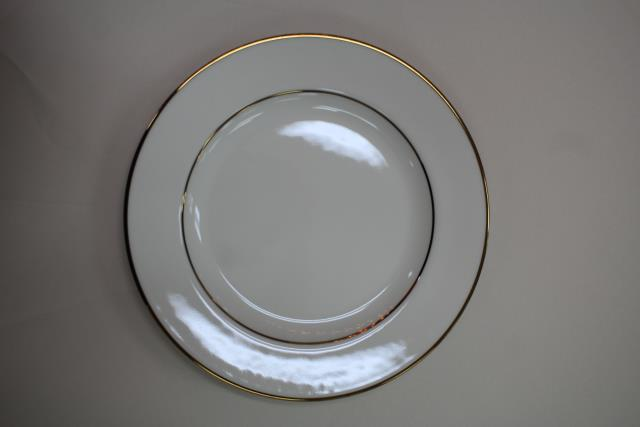 Where to find CHINA, IVORY 10  DINNER PLATE in Raleigh